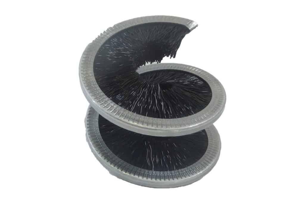 Honda Genuine Chain Cleaner and Chain Lube Kit spiral brush white background