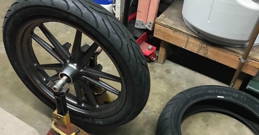 Michelin Commander II Motorcycle Tire Cruiser Front - 10090-19 57H